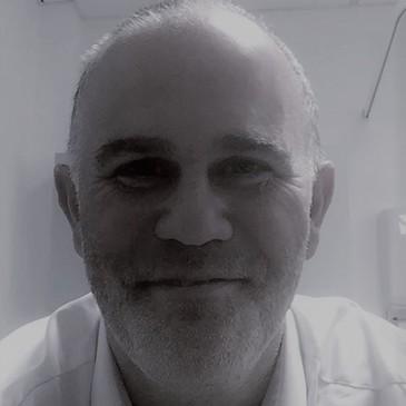 Dr-Andrew-Elliott-landscape